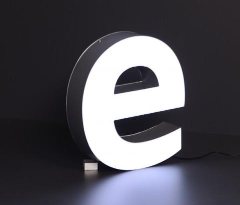 LED-Leuchtbuchstabe: e